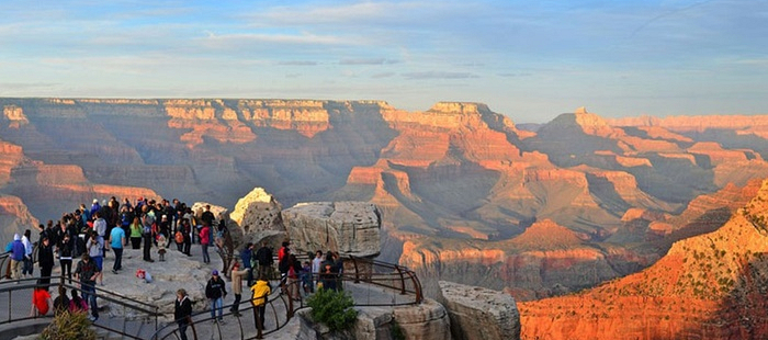 Grand Canyon National Park compie 100 anni